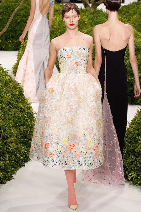 Fashion 101 haute couture moda magazine for Define couture