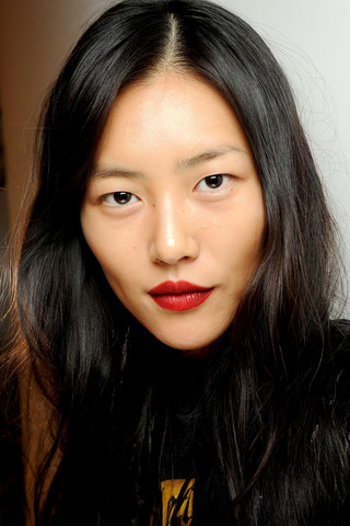 Bright Lipstick Burberry Prorsum Spring RTW 2013